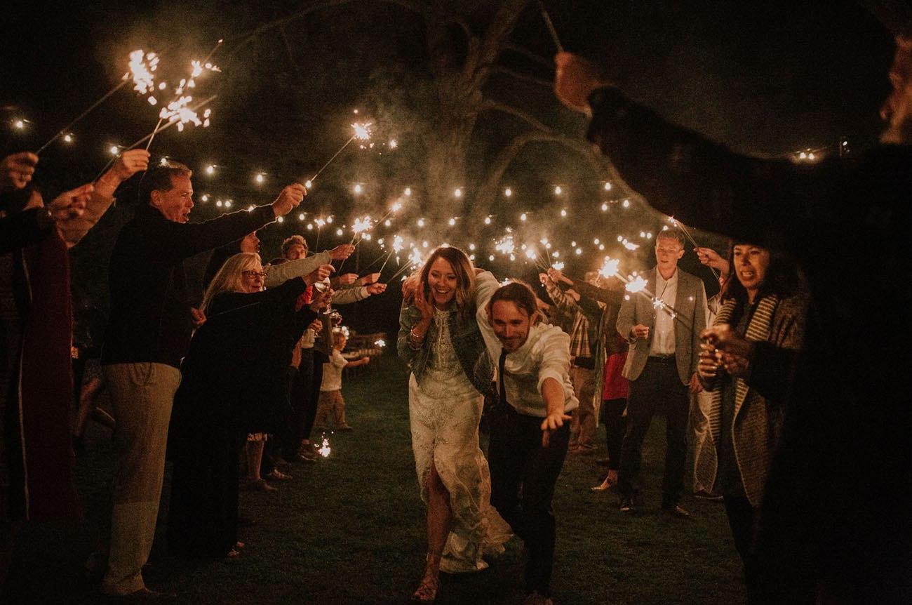 Свадьба в заповедном лесу на берегу океана (26 фото)