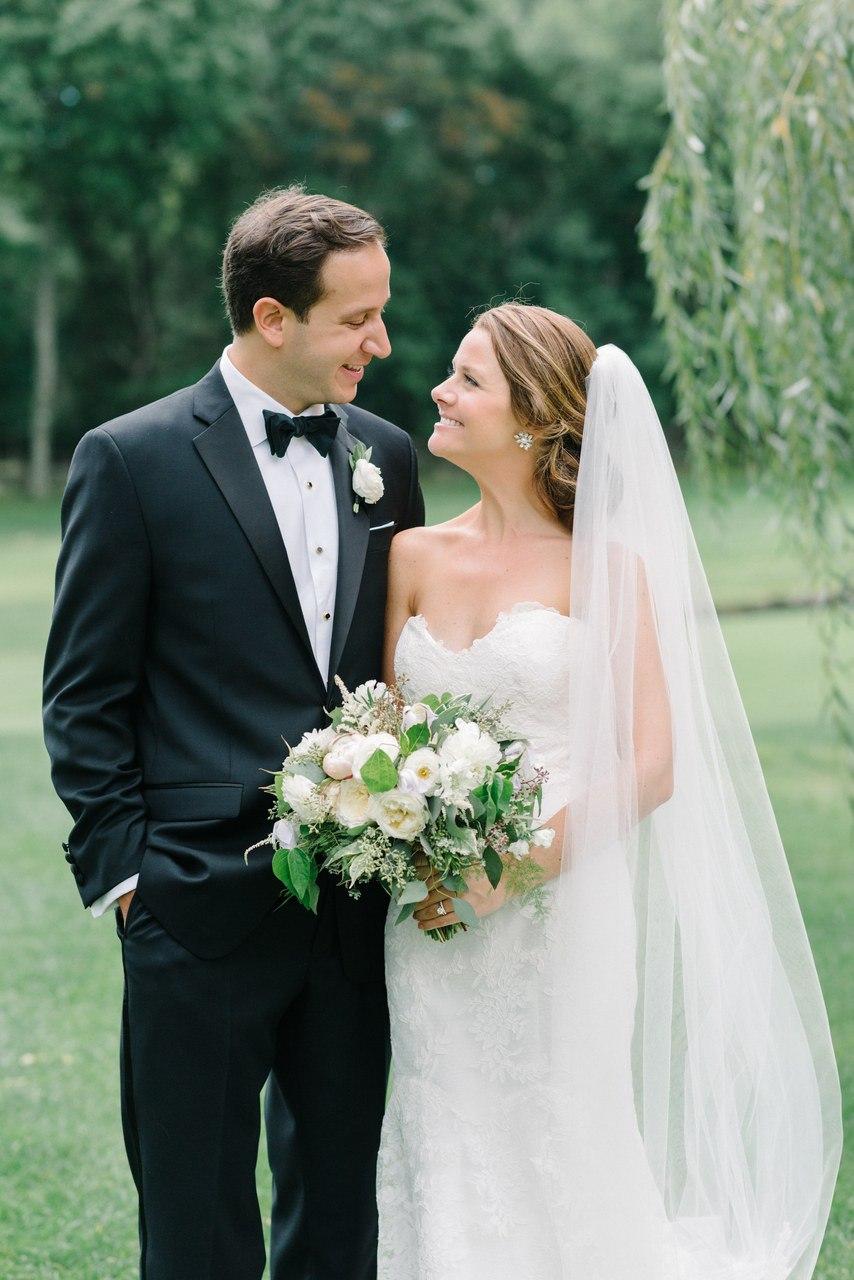 Свадьба вдали от городской суеты (28 фото)