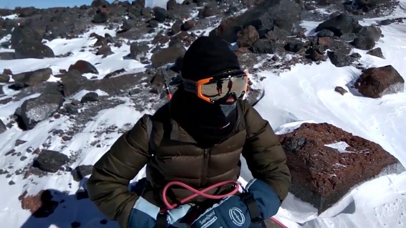 Выжившие на Эльбрусе (Survivors on mount Elbrus)