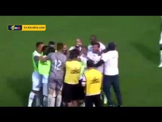 هدف خرافي من قبل منتصف الملعب فى الدوري البرازيلي