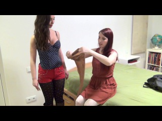 Renee's Bondage Workshop, Monoglove vs. Pantyhose - Episode 34