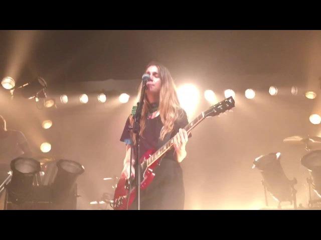 Haim - Nothing's Wrong (new song) - Flagstaff, AZ 05/18/16