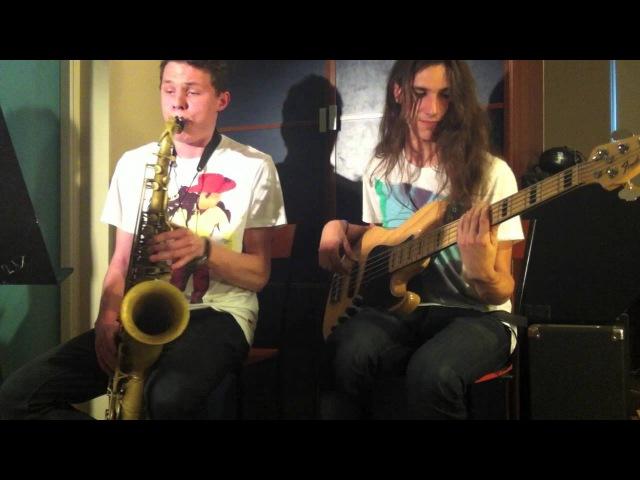 Aint no Sunshine sax bass duet