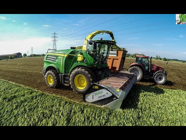 JOHN DEERE 8800i - FIRST IN ITALY- news 2016 - SILAGE