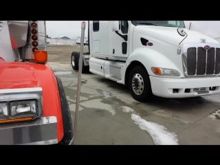 Давид дальнобой по США Америка. Разборка грузовых машин ( Semi truck junk yard Iowa )