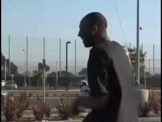 Kobe vs Pool full of snakes