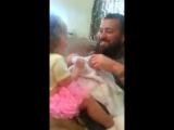 Папа сбрил бороду. Реакция дочери