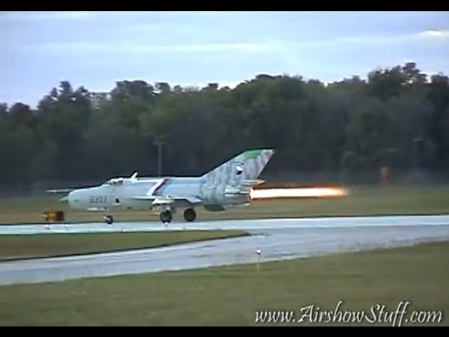 MiG-21 Sunset Afterburner Flybys - Willow Run Airport