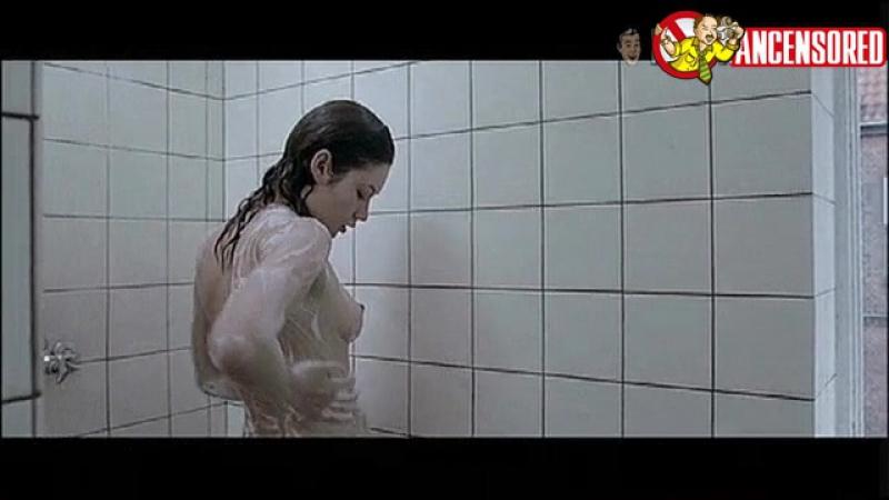 Olga Kurylenko Nua em The Ring Finger-4 (2005)