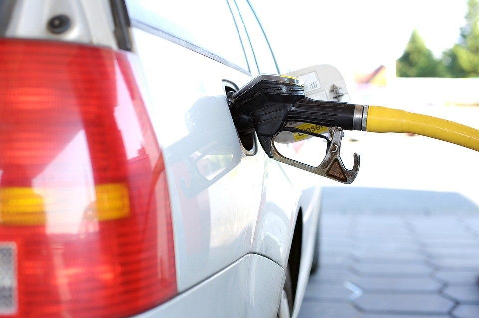 Росстат: бензин в Томской области подорожал на 5% с начала года