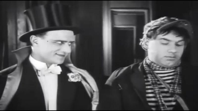 Vk.com/arhishanson две легенды: в видеоРолике немого кино Ильинский!.. и Владимир Высоцкий - Мне ребята сказали....