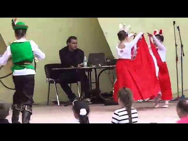 детский танец КанКан танцуют зайцы