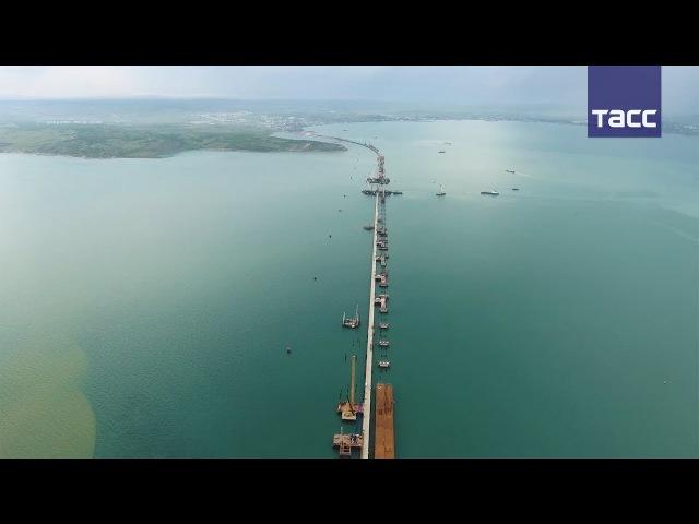 В Керченском проливе закончили возведение опор для судоходных арок Крымского м ...