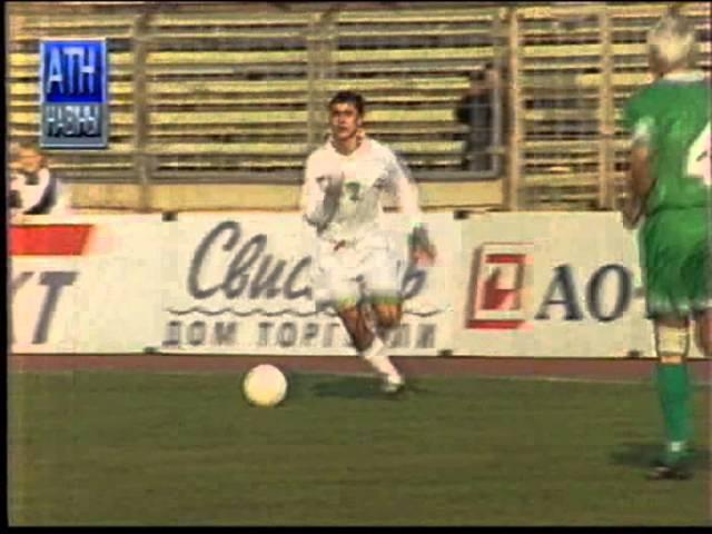 Лукашэнка гуляе ў футбол 1996 год