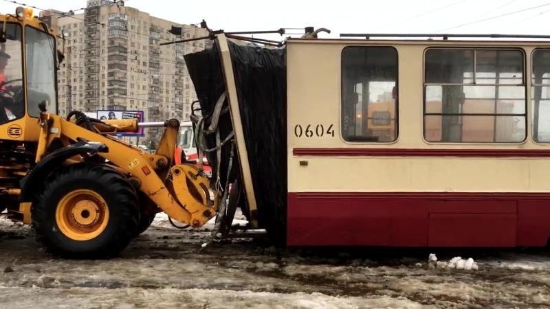 Разрыв трамвая ЛВС-97К № 0604 на стрелке