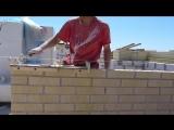 супер приспособление для кладки кирпича....Nivok111 в ахе (HD)