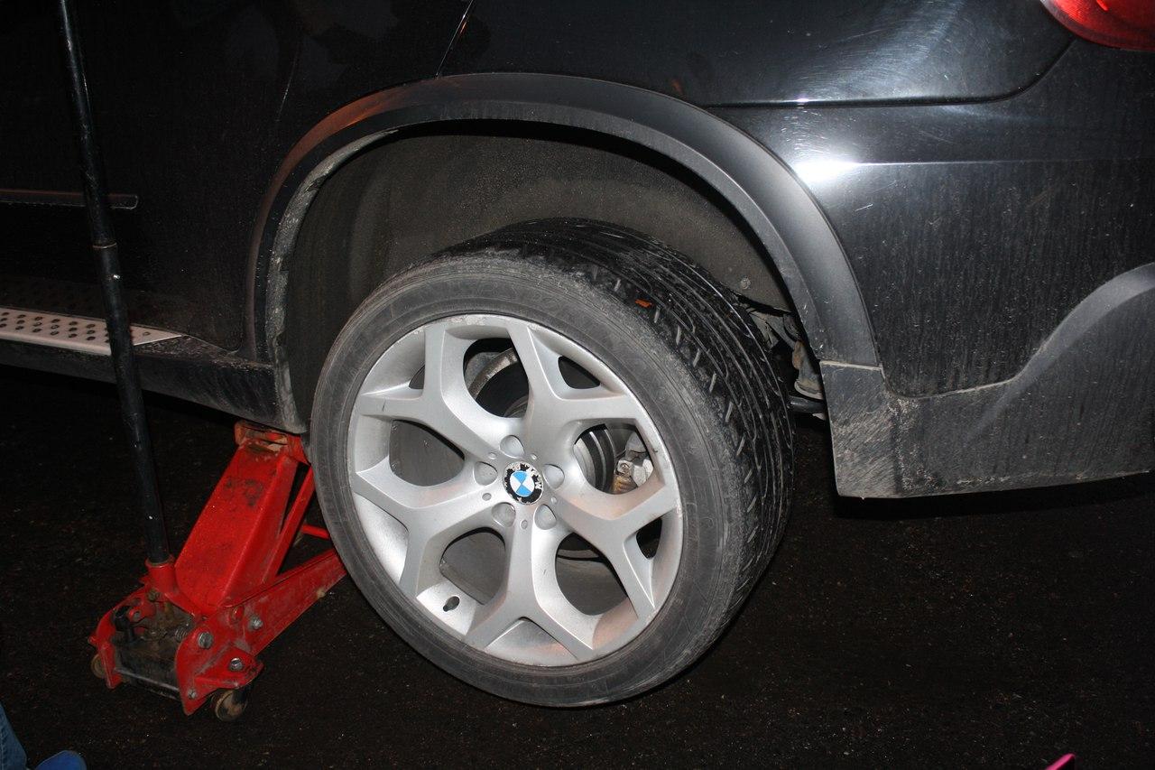Шиномонтаж колес BMW