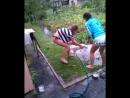 гьорли миють кошкамє