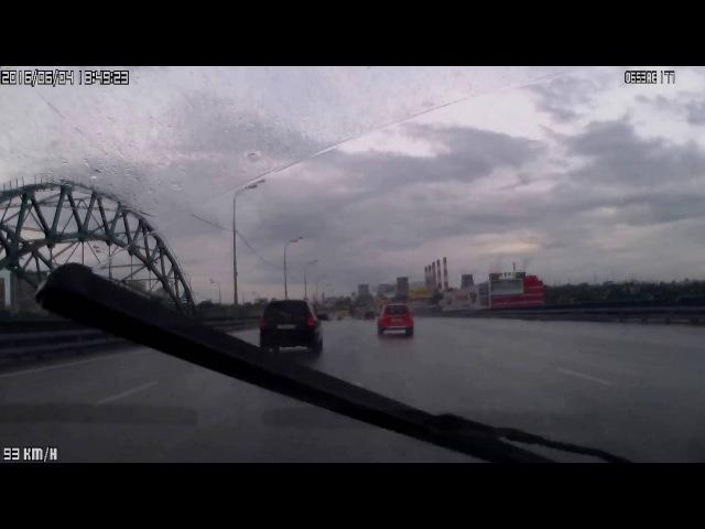 Авария 04.06.16 на внешней стороне МКАД на подъезде к развязке на Бесединское шоссе.