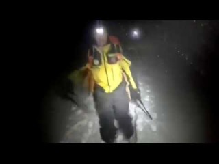 ⭐️ Лавина хоронит отель в Центральной Италии. Видео поисково-спасательной опер...