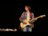 Игра на гитаре классику. Владимир Черноклинов в гостинице