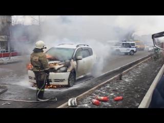 Я хозяин этой машины! __ Пожарные приехали без воды ( горит машина ) !