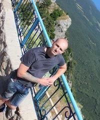 Марк Комаров