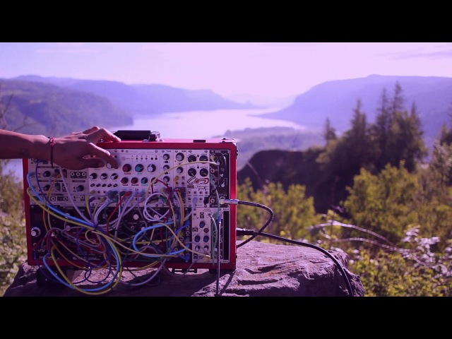Modular Field Trip Ep. 03 - Valley Textures with Telharmonic, Mutable Instruments Rings and Clouds