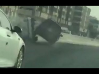 LiveLeak - Car rage in Saudi leads to an accident