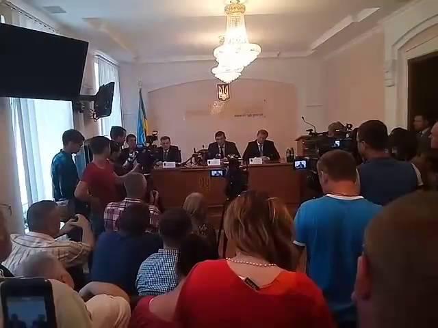 Луценко представив нового прокурора Івано-Франківщини і розкритикував очільників франківської поліції