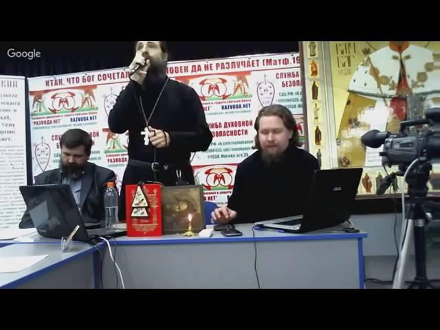Священник сказал предателю патриарху Кириллу Анафема!