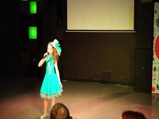 Ульяна Сащенкова с песней