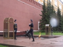 Смена почетного караула у Вечного огня в Москве 2 июня 2017