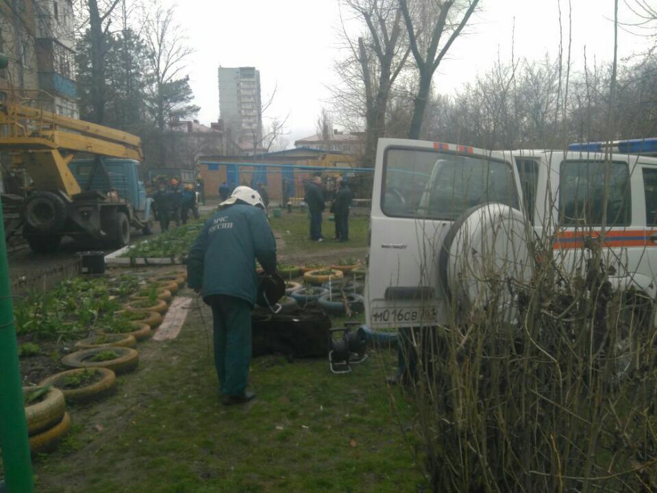 В Таганроге начались аварийно-восстановительные работы поврежденной от взрыва в пятиэтажке