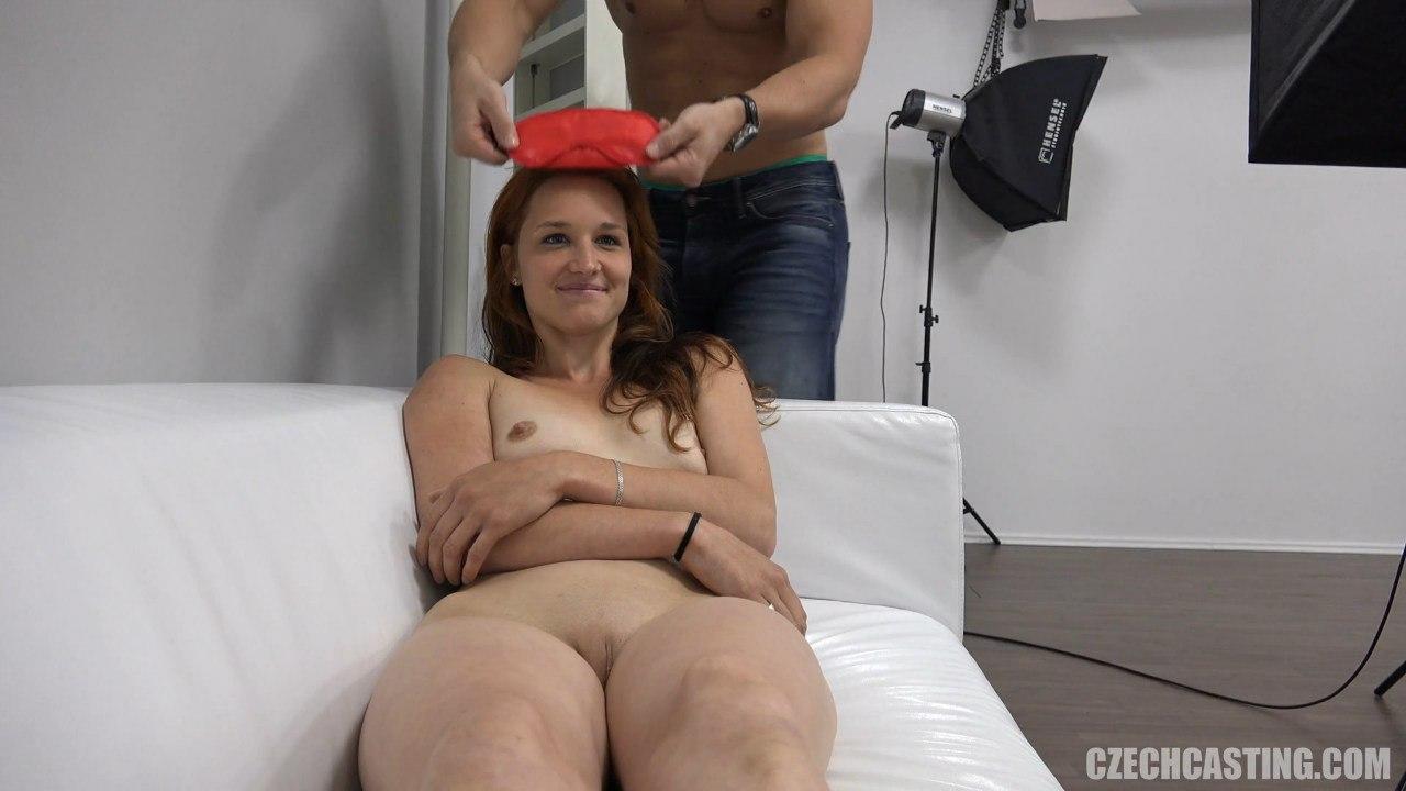 Рыженькая Клара на чешском порно кастинге
