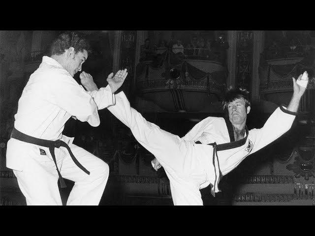 Чак Норрис - Карлос Мачадо | Показательный Спарринг (1992)