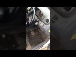 Rav 4 Случай на автомойке, девушка пригнала на мойку свою машину.