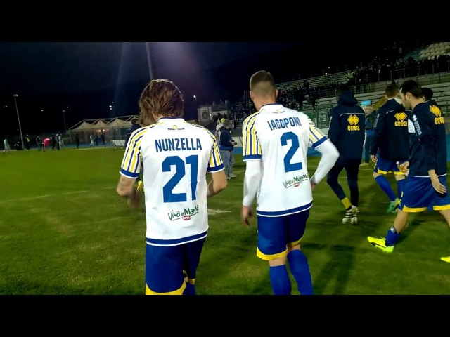 FeralpiSalò-Parma 0-1, triplice fischio finale, il saluto dei Crociati ai tifosi