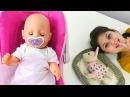Ayşe Gül ve Loli'nin karnını doyurup bebek bakımı. Kız oyunları ve oyuncakları