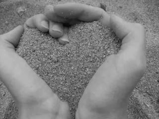 Un pugno di sabbia NOMADI - YouTube