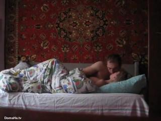 Видео секс под одеялом трах сасёт