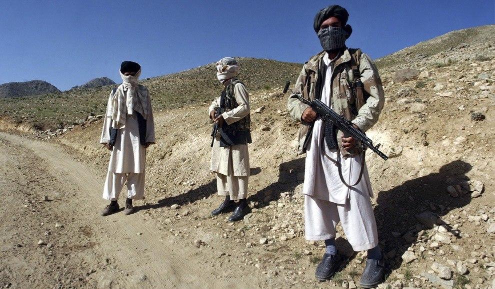 На таджикско-афганской границе скопилось более 10 тысяч боевиков