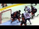Эндрю Шоу забивает шайбу головой НХЛ