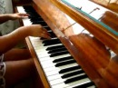 Devochka igraet 'klubnyak' na pianino klassno 240