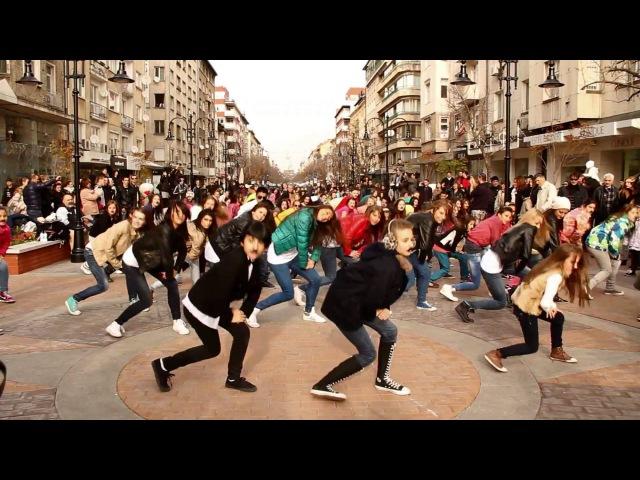 Gangnam Mo style flash mob Sofia, Bulgaria, Movember 2012 강남스타일 플래시몹 2차1080p H 264 AAC