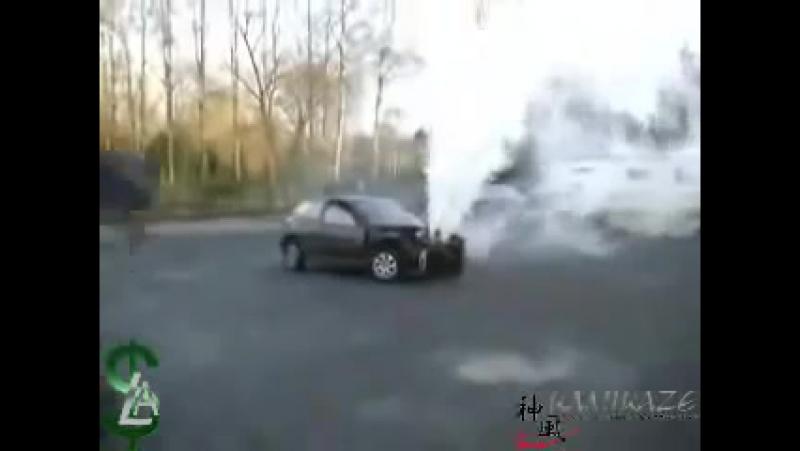 Что будет если залить воду в двигатель вместо масла. Honda Civic (Слабонервным не смотреть)