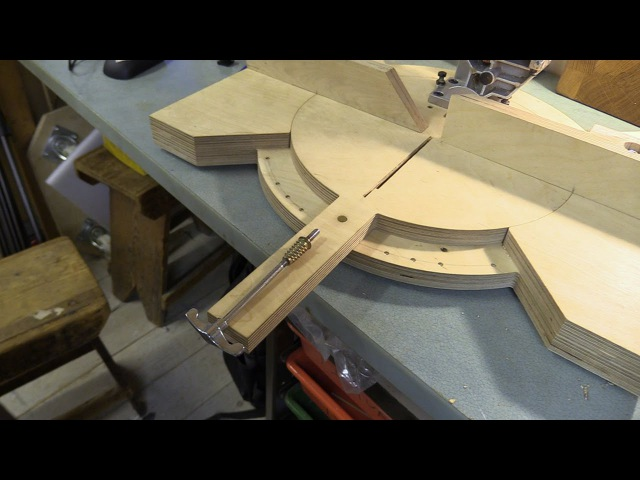 Pivoting Mitre Saw Base - Part 2 / Fence and Angle Locking Mechanism