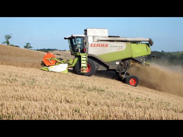 Moisson de blé 2012 en coteaux avec une claas lexion 570 montana