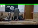Издевательство над пленными в Сирии _ ISIS Scum treating prisoners