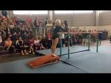 Женщина занимается гимнастикой в 91 год